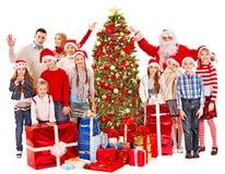 Gruppe Kinder mit Weihnachtsmann. Stockbilder