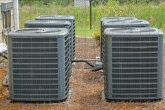 Gruppe Klimaanlagen lizenzfreie stockfotos