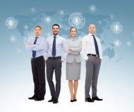 Gruppe lächelnde Geschäftsmänner über weißem Hintergrund Lizenzfreie Stockbilder