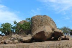 Gruppe monolithische Felsen von den alten Zeiten Indien Stockfotos