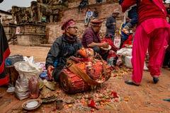 Gruppe nepalesische Musiker stockfotos