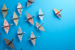Gruppe Origami Vögel Stockbild
