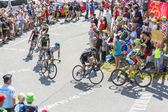 Gruppe Radfahrer auf Col. du Glandon - Tour de France 2015 Lizenzfreie Stockfotos