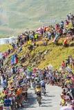 Gruppe Radfahrer auf Col. du Glandon - Tour de France 2015 Lizenzfreie Stockfotografie