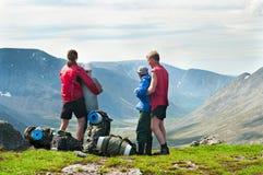 Gruppe Reisende auf Spitze Stockfotos