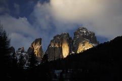 Gruppe Sassolungo Langkofel der italienischen Dolomit im Winter von Campitello di Fassa Ski Area in Canazei Lizenzfreie Stockfotografie