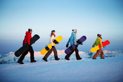 Gruppe Snowboarder-des extremen Skifahren-Konzeptes Lizenzfreie Stockfotos