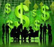 Gruppe sprechende und besprechende Geschäftsleute stockbild
