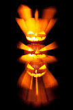 Gruppe Staplungs-Laternen Halloweens Jack O mit schwarzem Hintergrund lizenzfreie stockbilder