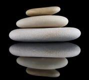 Gruppe Steine auf Schwarzem Lizenzfreies Stockbild