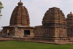 Gruppe Tempel in der Stadt von Pattadakal in Indien Lizenzfreie Stockbilder
