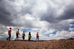 Gruppe Touristen in der Wüste Stockfoto