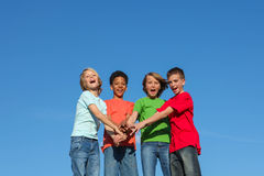 Gruppe verschiedene Kinder oder Teenager lizenzfreies stockfoto