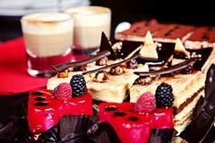 Gruppe verschiedene Minikuchen Stockfotografie