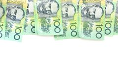 Gruppe von 100 australischen Anmerkungen des Dollars über weißen Hintergrund Stockfoto