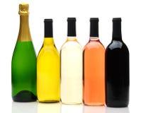 Gruppe von fünf Wein-Flaschen Lizenzfreie Stockfotografie