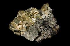 Gruppe von goldenen Pyritkristallen Stockfotografie