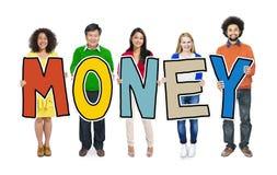 Gruppe von Personen, die Geld halten steht Lizenzfreies Stockbild