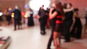 Gruppe von Personenen-Tanzen stock video