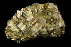 Gruppe von Pyritkristallen Stockfoto