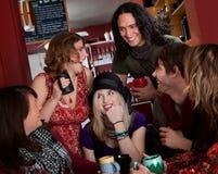 Gruppe von sechs Freunden Stockfotografie