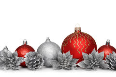 Gruppe Weihnachtsbälle auf weißem Hintergrund Stockfotografie