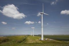 Gruppe Windmühlen Stockfoto