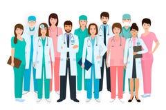Gruppen av doktorer och sjuksköterskor som tillsammans står i olikt, poserar Medicinskt folk Sjukhuspersonal vektor illustrationer