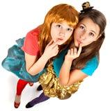Gruppen av tonår eller deltagare har gyckel på deltagare Royaltyfri Foto