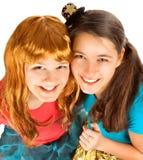 Gruppen av tonår eller deltagare har gyckel på deltagare Arkivbild