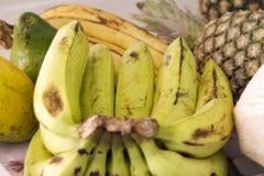 Gruppen der tropischen Früchte in Ghana lizenzfreie stockbilder