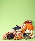 Gruppen der verschiedenen Arten der getrockneten Früchte lizenzfreies stockbild
