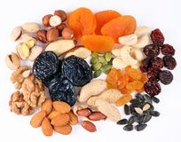 Gruppen der verschiedenen Arten der getrockneten Früchte Lizenzfreie Stockbilder