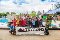 Gruppenfoto des Konkurrenten, des Personals und der Richter Lizenzfreie Stockfotografie
