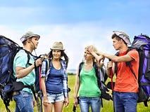 Gruppenleute auf Reise. Stockbilder