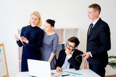 gruppera kontorsarbetare Royaltyfri Foto