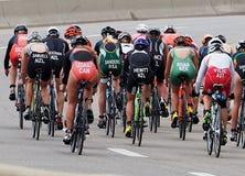 Gruppi intorno al mondo al triathlon Fotografia Stock Libera da Diritti
