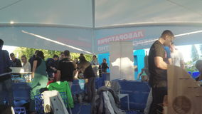 Gruppi sociali dei padiglioni al festival VK video d archivio