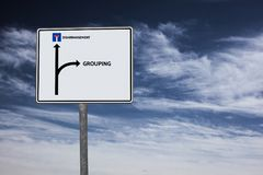 GRUPPIERUNG - UNORDNUNG - Bild mit den Wörtern verbunden mit dem Thema EXTREMISMUS, Wort, Bild, Illustration lizenzfreies stockfoto