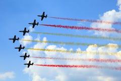 Gruppo acrobatici Patrulla L'Aquila di dimostrazione fotografie stock libere da diritti