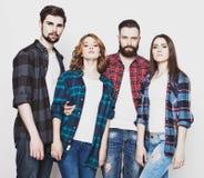 Gruppo attraente di giovani e di donne felici Immagine Stock Libera da Diritti