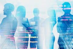 Gruppo degli ingegneri informatici, interfaccia di informazioni fotografie stock libere da diritti