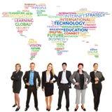 Gruppo del mondo degli affari con la nuvola dell'etichetta fotografia stock libera da diritti