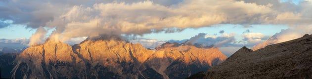 Gruppo del Sorapis, Tirolo del sud, montagne delle dolomia Immagini Stock
