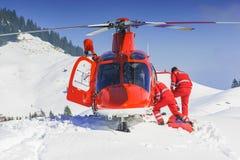 Gruppo dell'elicottero di salvataggio atterrato Fotografie Stock Libere da Diritti