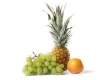 Gruppo della frutta su priorità bassa bianca Fotografie Stock Libere da Diritti