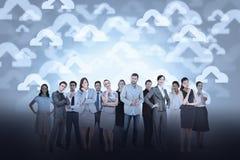 Gruppo di affari contro il fondo di calcolo della nuvola Immagini Stock Libere da Diritti