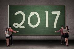 Gruppo di affari e numero 2017 Immagini Stock