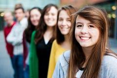 Gruppo di allievi all'esterno Immagine Stock