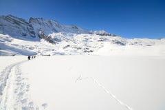 Alpinismo nell'inverno Immagine Stock